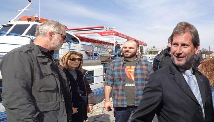 Хан нема време за средби со демонстрантите од  Заедничка Македонија