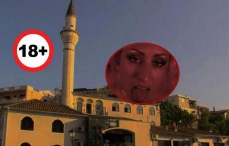 ВИДЕО 18  СКАНДАЛ  Наместо молитва  звуци од порно филм одекнаа од Минарето на оваа Џамија