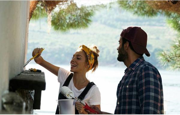 """Омер и Дефне објавија нови фотографии од снимањето на филмот """"Време за среќа"""""""