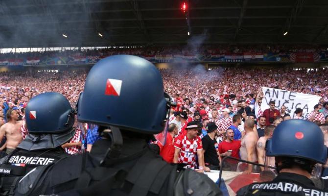 Полицијата прведе 10 лица по вчерашниот натпревар Хрватска Србија