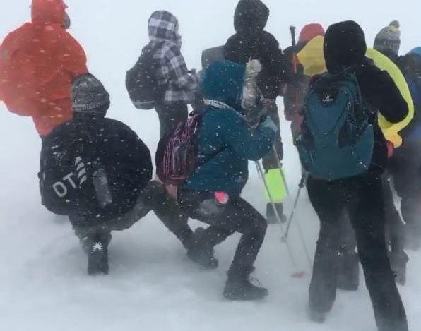 Заради дилетантското планинарско друштво ни отидоа децата