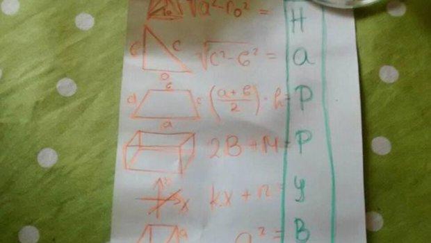 devojche-so-13-matematichki-ravenki-i-chestitashe-rodenden-na-nejzinata-majka